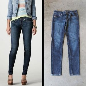 American Eagle Super Skinny Jeans size 2 long